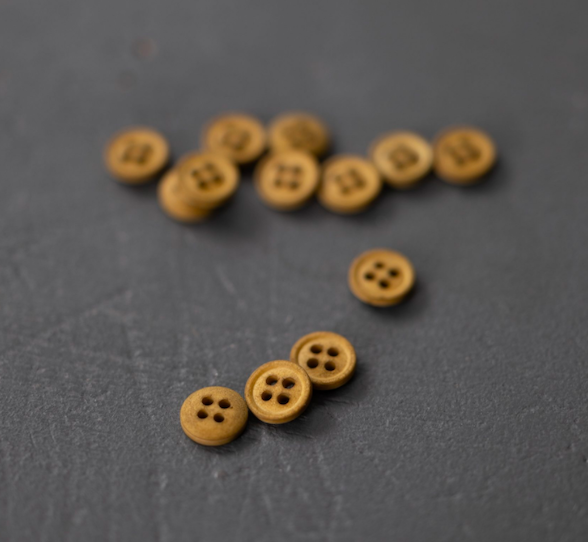 Ginger 11mm Button